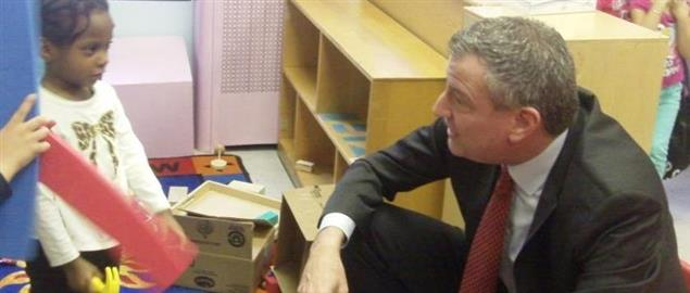Public Advocate Bill de Blasio visits P.S. 50 and East Harlem Center