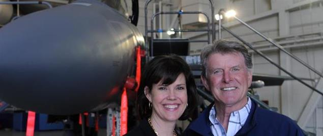 "Idaho Gov. C.L. ""Butch"" Otter and first lady Lori Otter stand in front of an F-15"