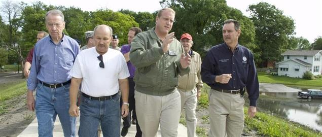 Senators Harkin and Grassley touring flooded areas of Iowa with FEMA