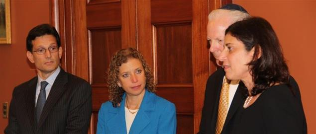 Eric Cantor (left), Debbie Wasserman Schultz (right) meeting about the U.S. Capitol
