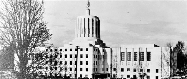 Oregon State Capitol in 1939. Info page.