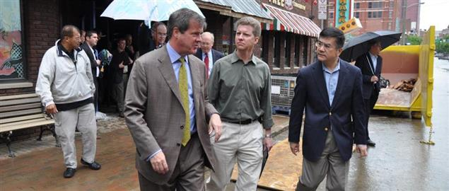 Secretaries Donovan and Locke tour flooded portions of downtown Nashville in 2010